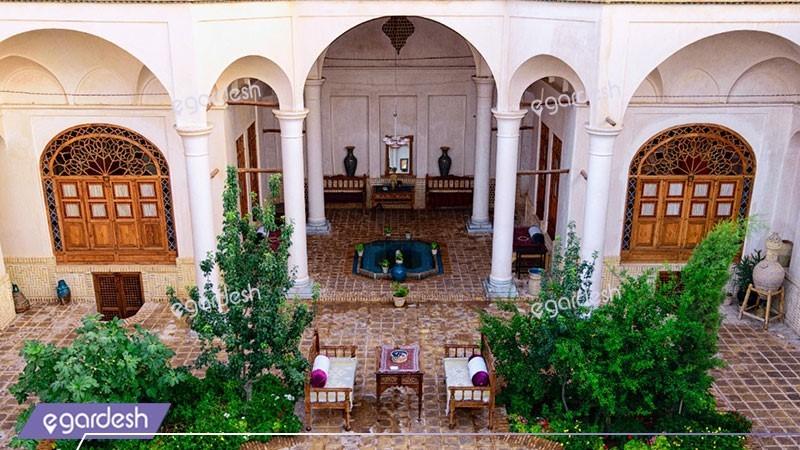 نمای ساختمان هتل سنتی خانه مرشدی