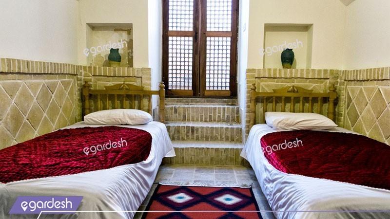 دو تخته توئین زیرزمین هتل سنتی خانه مرشدی