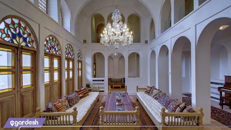 لابی هتل سنتی خانه منوچهری