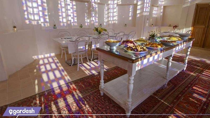 رستوران هتل سنتی خانه منوچهری