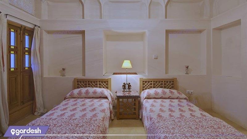 اتاق دو تخته توئین هتل سنتی خانه منوچهری