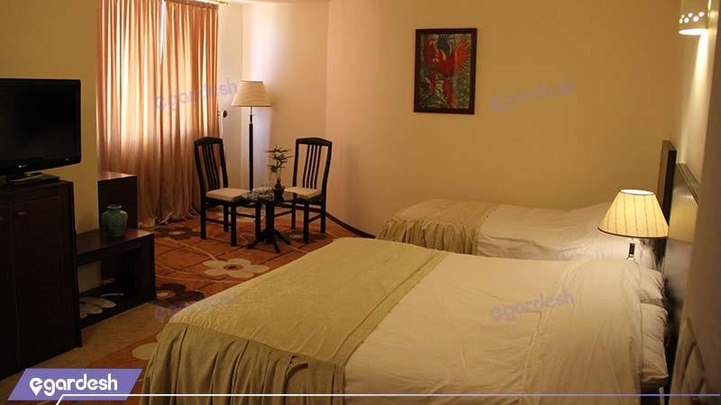اتاق سه تخته هتل نگارستان