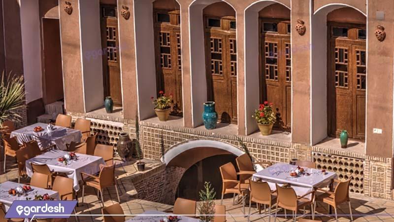 رستوران فضای باز هتل سنتی نگین