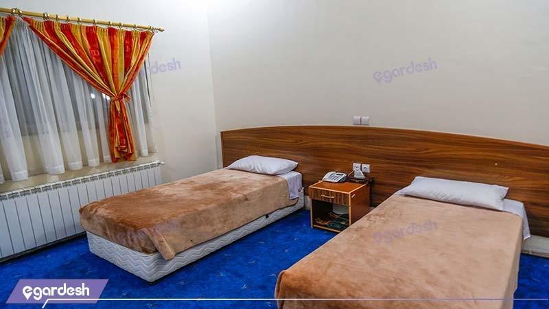 اتاق دو تخته مهمانسرای جهانگردی ماهان کرمان