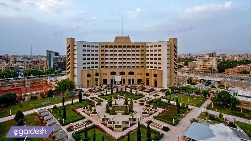 نمای ساختمان هتل پارس