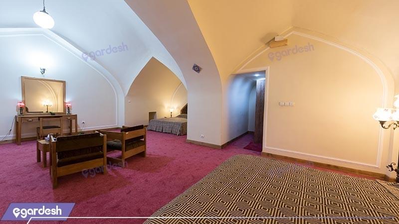 سوئیت هتل بین المللی لاله بیستون