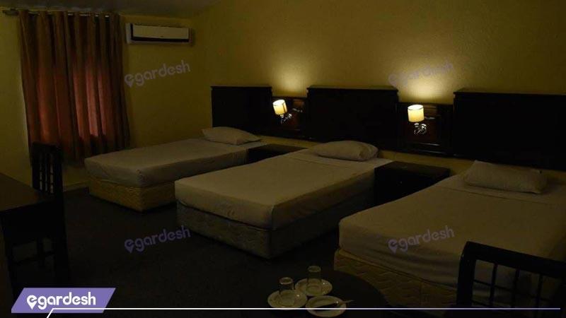 اتاق سه تخته روبه جزیره هتل بزرگ ارم
