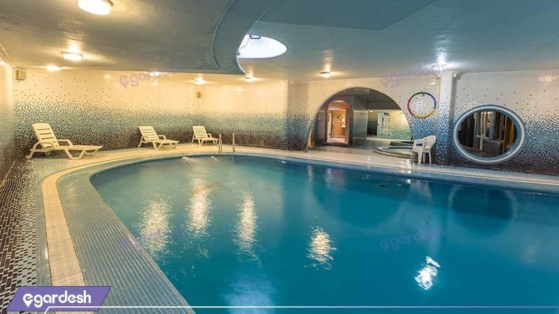 استخر هتل پارمیس