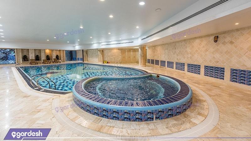 استخر هتل ویدا