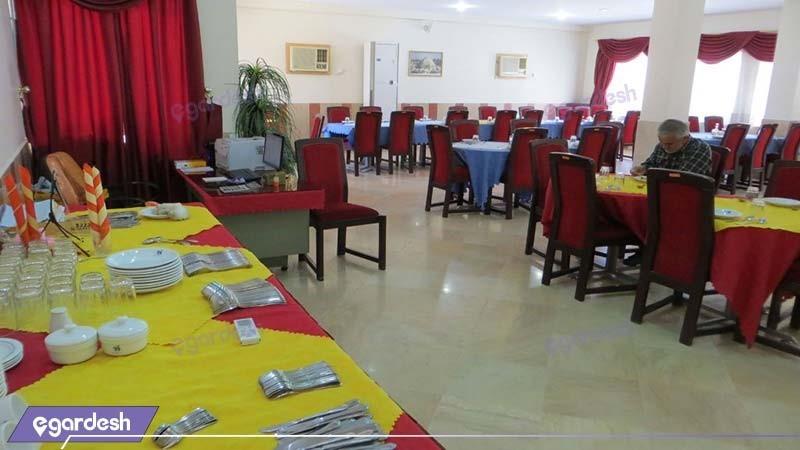 رستوران مهمانسرای جهانگردی لار