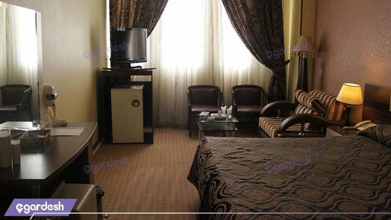 اتاق دبل هتل بزرگ فردوسی مشهد