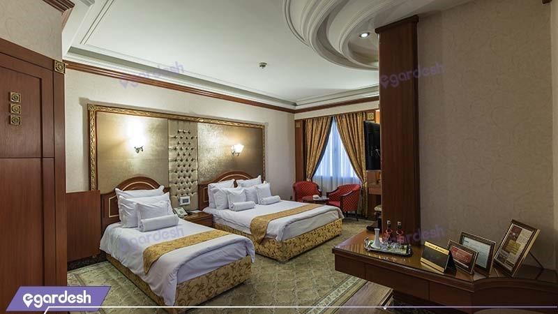 اتاق سه تخته هتل بین المللی قصر طلایی