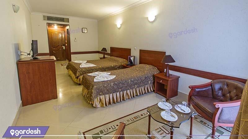 اتاق سه نفره هتل هلیا مشهد