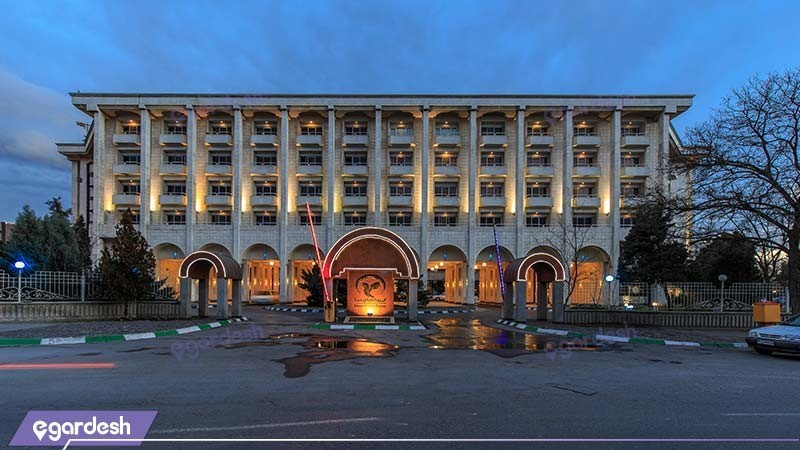 نمای ساختمان هتل هما 2
