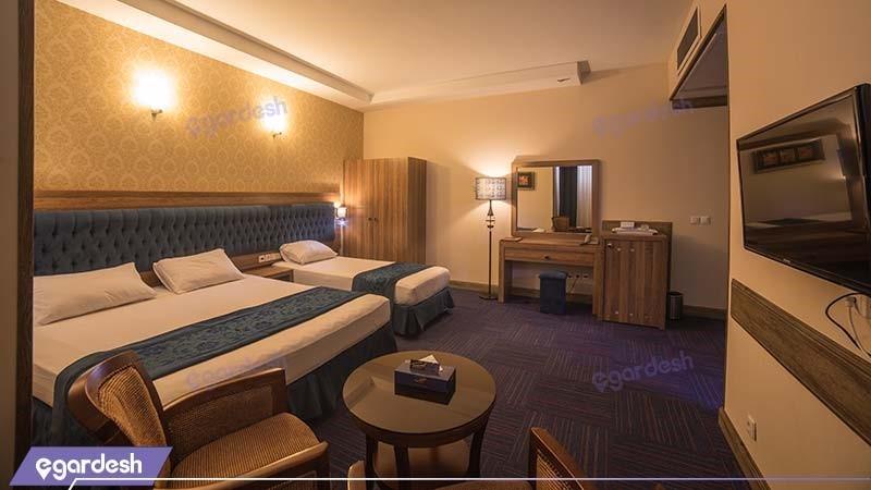 اتاق سه نفره هتل ایران زمین