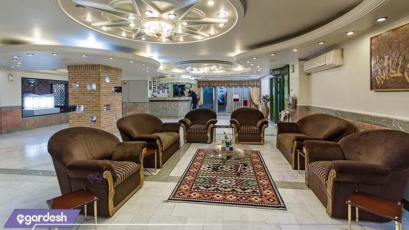لابی هتل خانه سبز
