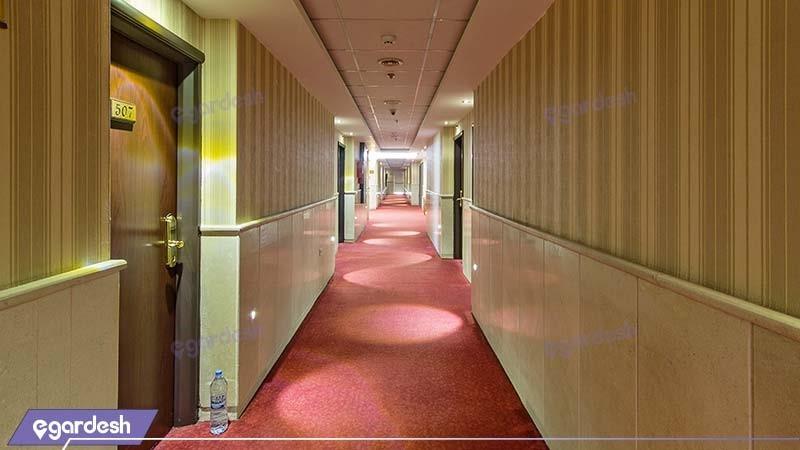 راهرو هتل کیانا