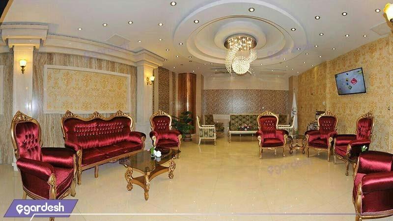 لابی هتل منجی