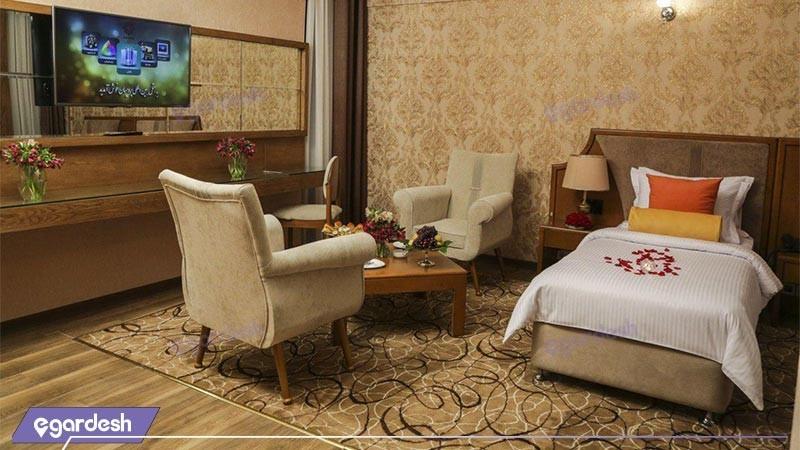 اتاق یک تخته لوکس هتل پردیسان