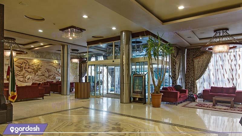 ورودی هتل پارمیدا مشهد