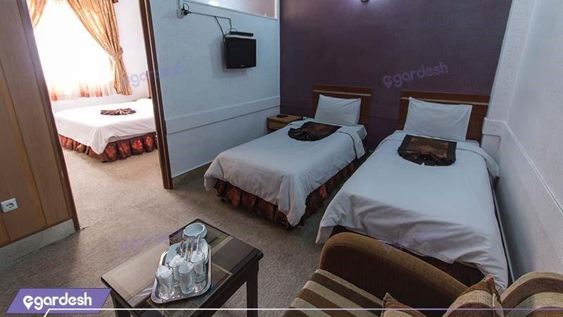 سوئیت یک خوابه چهار نفره هتل پارمیدا مشهد