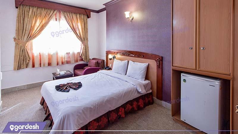 سوئیت یک خوابه پنج نفره هتل پارمیدا مشهد