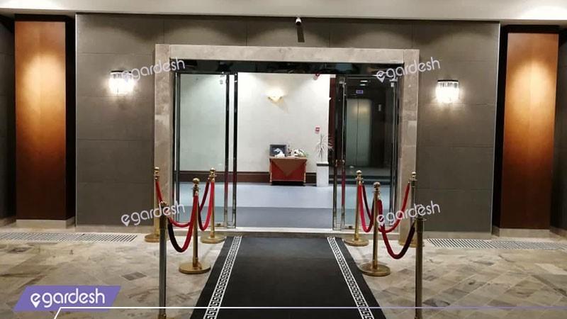 ورودی هتل قصرالضیافه