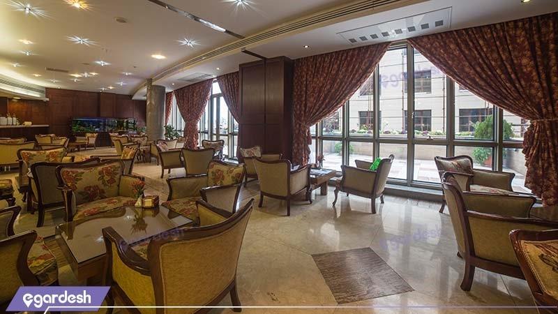 کافی شاپ هتل توس