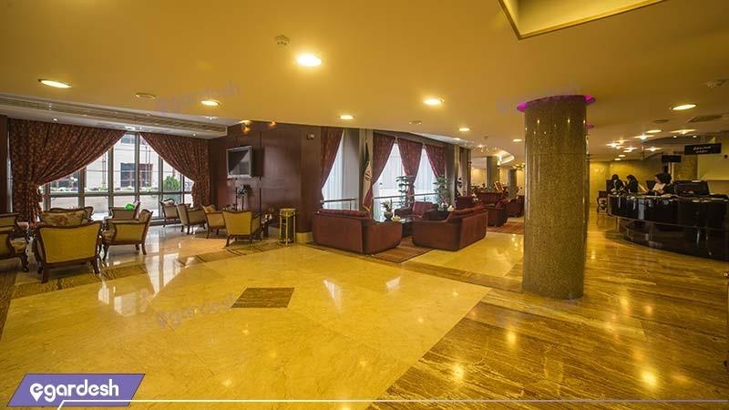 لابی هتل توس