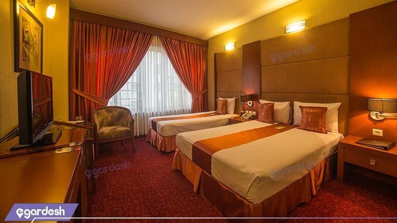 اتاق سه تخته هتل توس