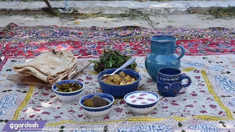 غذای سنتی اقامتگاه بوم گردی شاهدان