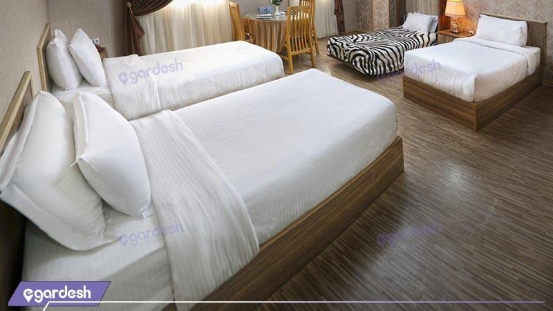 اتاق 4 تخته دلوکس هتل آریا