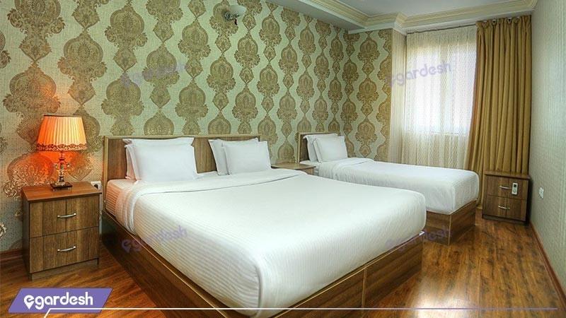 اتاق سه تخته دلوکس هتل آریا