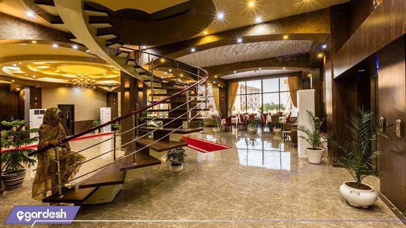 رستوران هتل آرتا
