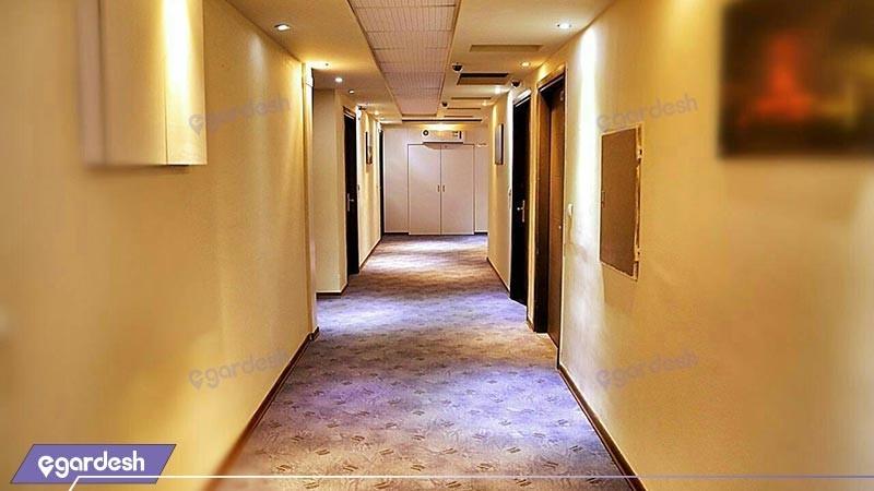 راهررو هتل کیمیا 4