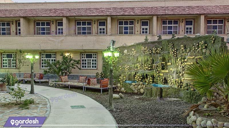 حیاط هتل مارینا 1