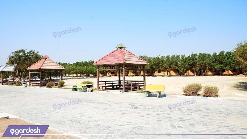 آلاچیق های ساحلی مجتمع اقامتی ساحل طلائی