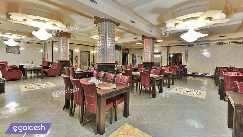 رستوران هتل استقلال