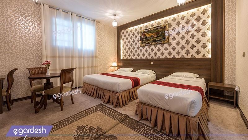 اتاق سه تخته هتل استقلال