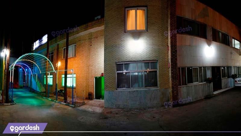 نمای ساختمان مهمانسرای جهانگردی رفسنجان