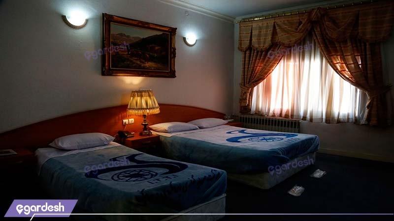 اتاق سه تخته مهمانسرای جهانگردی رفسنجان