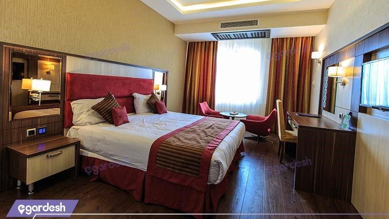 اتاق دبل ویژه هتل پارسیان آزادی رامسر