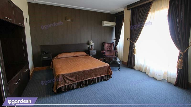 اتاق دبل رو به جنگل هتل ساحلی پدیدار خزر