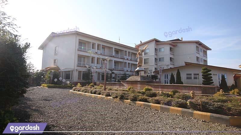 نمای ساختمان هتل ساحلی پدیدار خزر