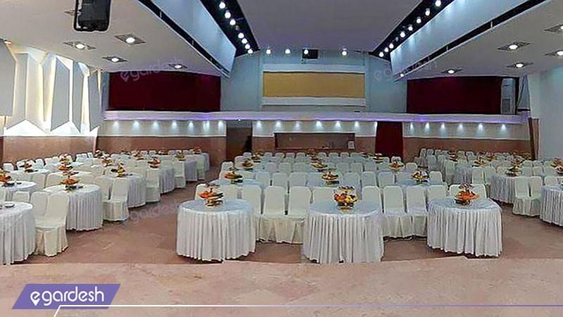 آمفی تئاتر هتل شادی