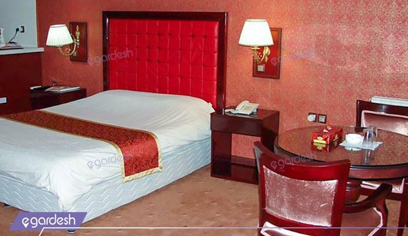 سوئیت دو نفره هتل شادی