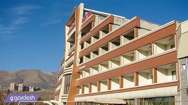 نمای ساختمان هتل شادی