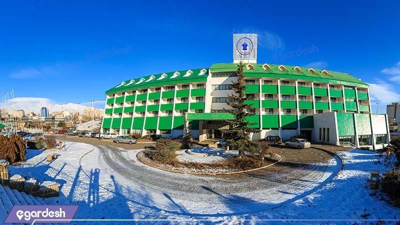 نمای ساختمان هتل بین المللی لاله سرعین