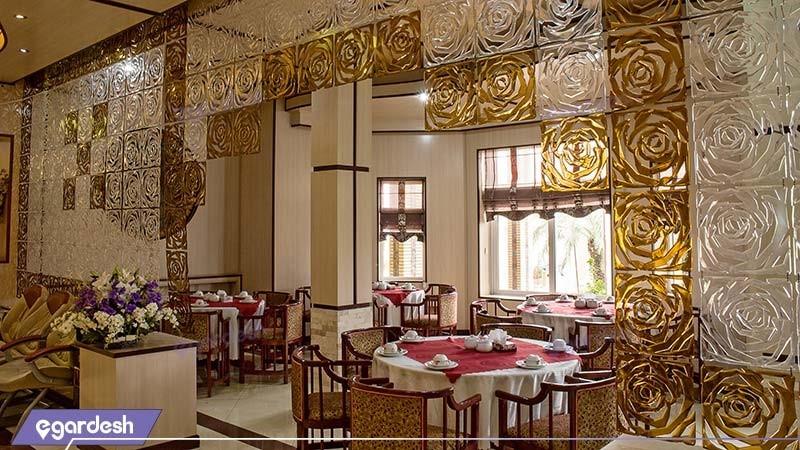 رستوران هتل بادله