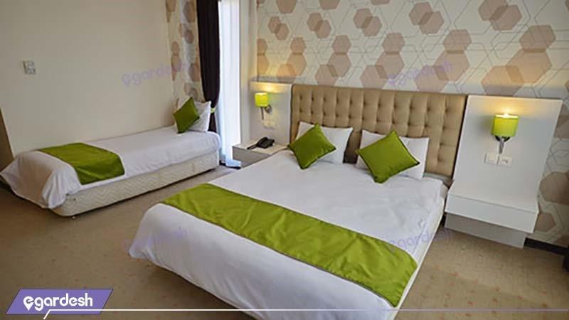 اتاق سه تخته هتل پولادکف
